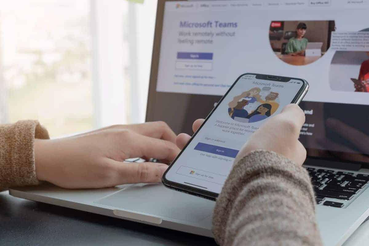 Teams vs SharePoint Image