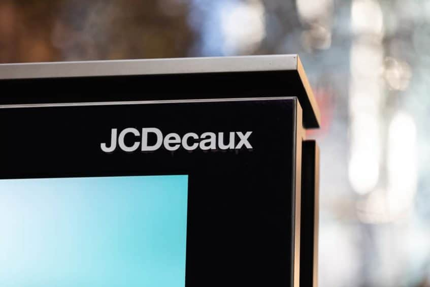 JCDecaux Logo Outside