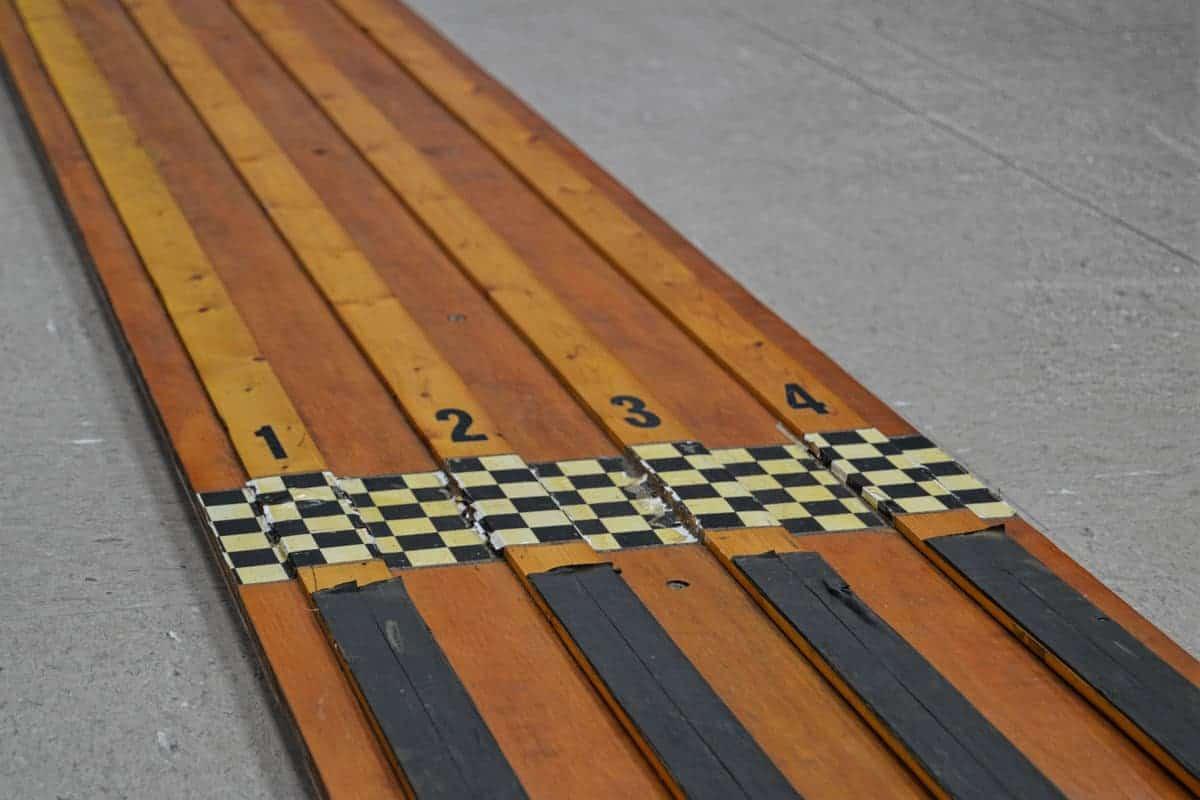 pinewood-derby-track.jpg